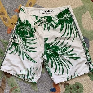 Honolua Board Shirts 🌺 Size 32. EUC. mesh lined